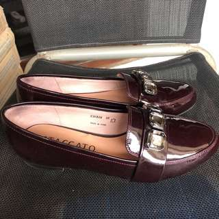 Flat shoes by stacatto