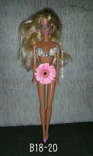 Barbie dolls old edition (nude)