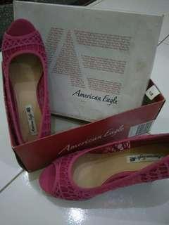 Wedges American Eagle pink brukat