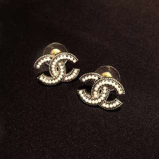 Chanel Logo 珍珠耳環 Pearl Earrings