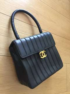 Vintage authentic Chanel 黑色手袋 70%NEW(保証真品)