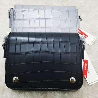 Miniso vintage crocodile grain chain bag