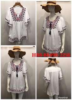🚚 🌺民俗風繡圖荷袖T 顏色:白。材質:人造棉 尺寸:穿XL內 胸55長74