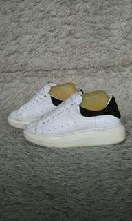 Sepatu Alexander McQueen