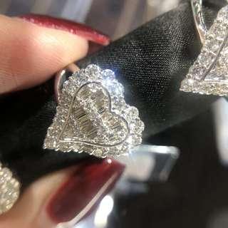 愛心鑽石戒指