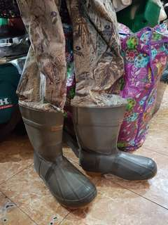 Cabela's Dry -Plus Fishing Waders