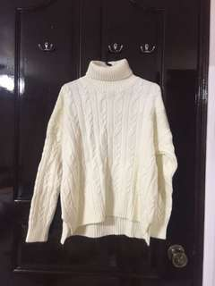 White knitted winter top
