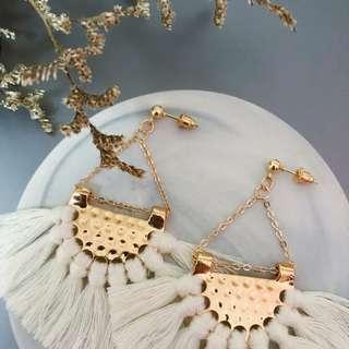 🚚 Ophelia Fan Tassels Earrings in Cream