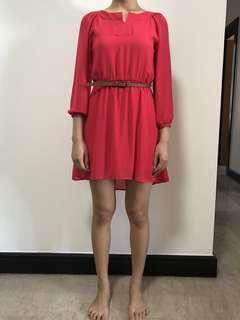 🚚 Mini dress with belt in red