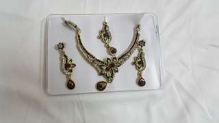 Indian-style Earrings and Necklace Party Set