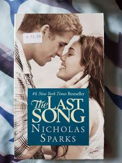 🚚 The last Songs by Nicholas sparks