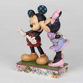 日本 米奇米妮甜蜜親吻塑像