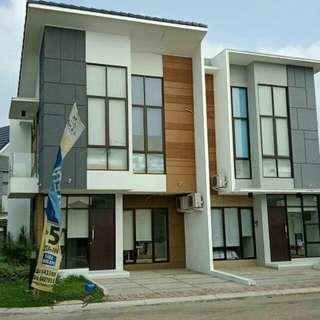 Rumah 2 Lantai di Galuh Mas Karawang