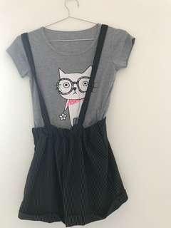 🚚 直條紋吊帶加可愛貓咪t shirt(起一點毛球)