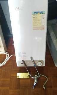 儲水式熱水爐