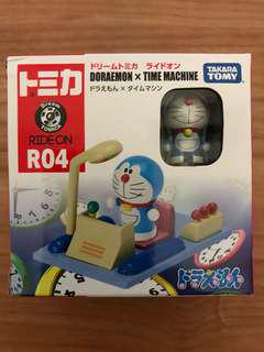 Tomica Dream Tomica Ride - on R04 Doraemon & Time Machine Tomy