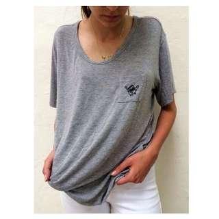 🚚 Grey tee