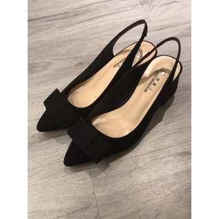 🚚 黑色優雅蝴蝶結絨面低跟尖頭鞋