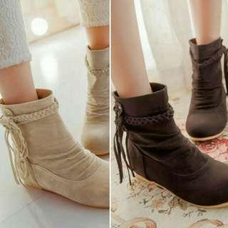 Fashion Tassels Stylish Boot