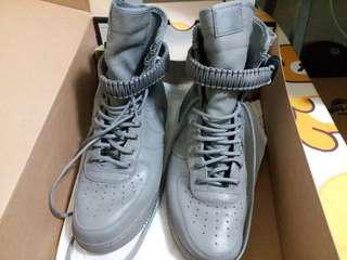 Nike Air型格灰