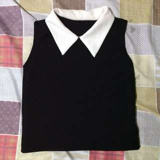 COLLARED SLEEVELESS TOP