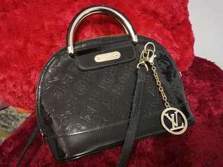 Tas LV - Louise Vuitton Bag