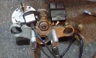 電單車/摩托車cb cb400 vtec2 二手全套晶片鎖匙連電腦