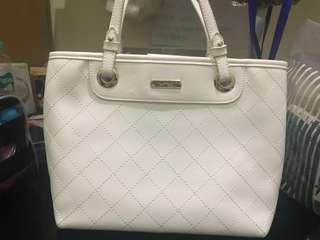 Vnc white handbag