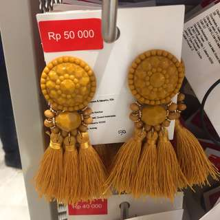 New H&M Tussle Earring Sale