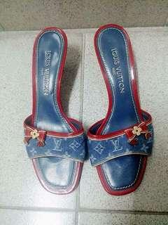 Lv 牛仔布高踭鞋 size 37.5
