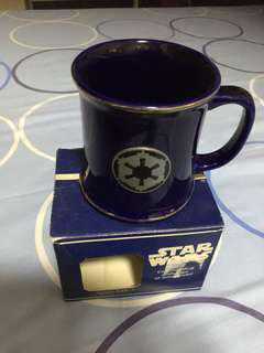 Star Wars RAWCLIFFE ceramic mug with fine quality pewter logo