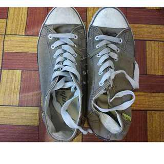 Used Canvas Leisure Shoes
