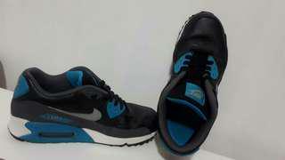 Nike size 9.5