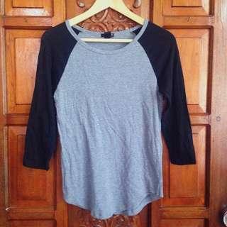Brand New Forever 21 Black Gray 3/4 Longsleeves Pullover