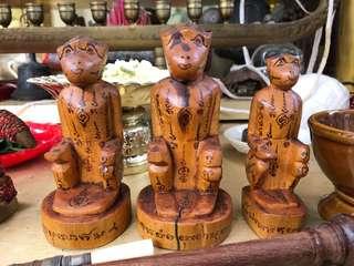 Family of 3 Buchas