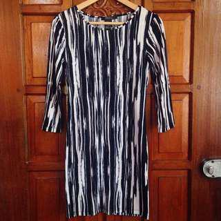 Brand New Forever 21 Black White Zebra Stripes Longsleeves Dress