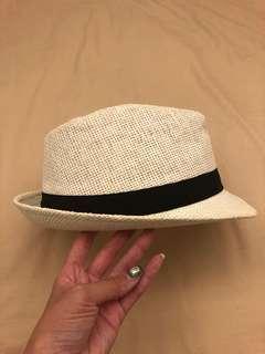 🚚 白色草帽