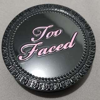 Too Faced foundation powder (Honey Beige)