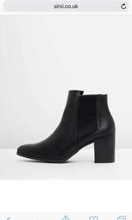 SPURR ALMA ANKLE BOOTS