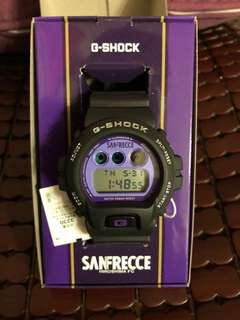 出售 日版 CASIO G-Shock 絕版 廣島三箭 SANFRECCE HIRO SHIMA FC 紫色 購於日雅 全新 如圖所見