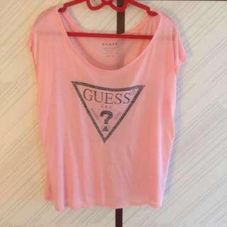 🚚 Guess 粉色 上衣