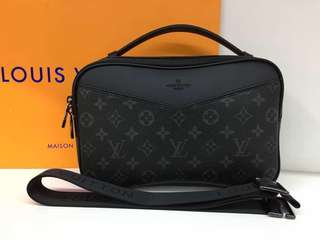 LV Clutch boutique quality