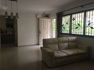 Well-maintained 4 room @ Sembawang Drive