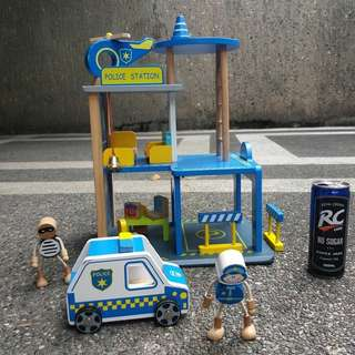 Police Station Wooden Toy for Boys Toddlers preloved