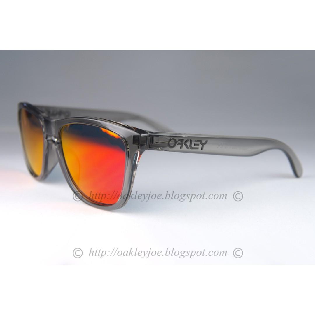 70b95acd2d8f BNIB Oakley Frogskins Custom grey ink + ruby iridium lens sunglass ...