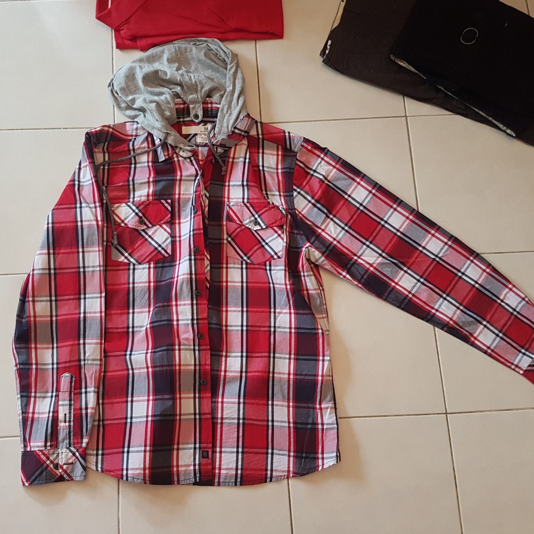 2c62a87a55d [FREE W P] Cotton on red checkered long sleeve hooded shirt