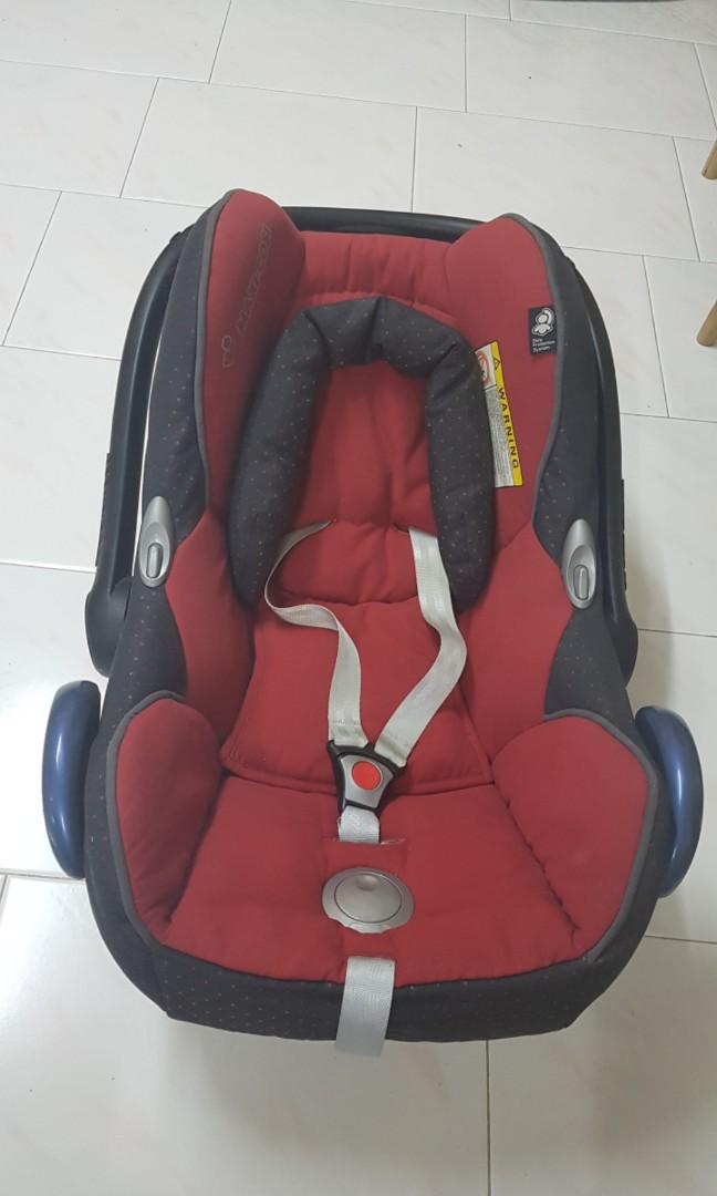 Preloved Maxi Cosi car seat, Babies & Kids,