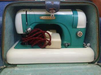 Sewing machine vintage collectors