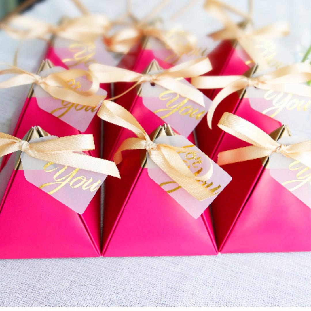 Shocking Pink Ferrero Rocher Wedding Favors, Design & Craft, Others ...