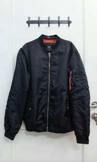 Bomber jacket bershka black with red tag